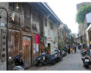 台南老街骑行轻旅行春节玩的不一样