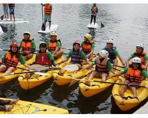 高雄爱河3月14日起每个周末进行独木舟活动