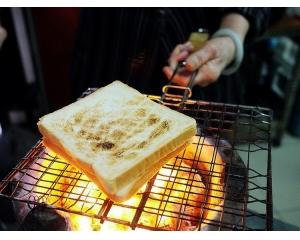 手工碳烤三明治台南人都知道的超美味古早味喔