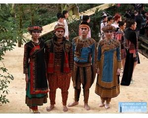 雪霸国家公园森林之心服装秀活动展现国外时装的独特时代脉搏