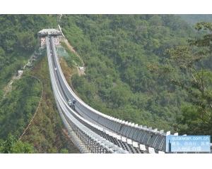 屏东山川琉璃吊桥12月底启用俯瞰壮阔的山峦美景