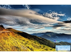 合欢山的景色如画,和煦的阳光、清新的空气加上绝美的流云