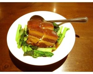 台北吃饭食堂用传统的技法做出手路菜,一点不失古早味
