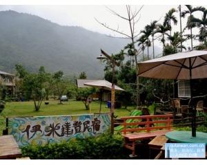 高雄那玛夏露营依山傍水欣赏一年四季精采万分